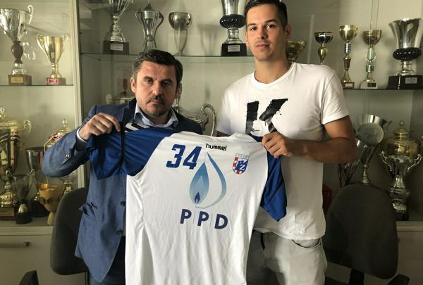 Ante Gadža potpisao za rukometni klub PPD Zagreb i uzeo broj koji je nosio Ivano Balić!